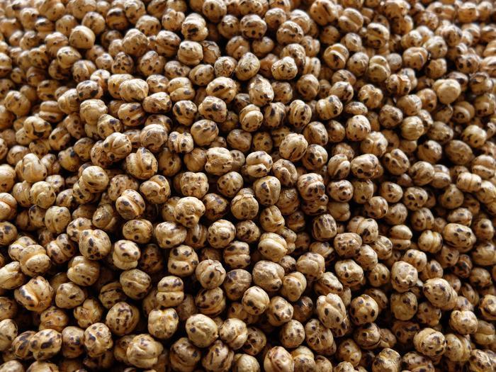 4. Kuru üzüm ve leblebi karışımı
