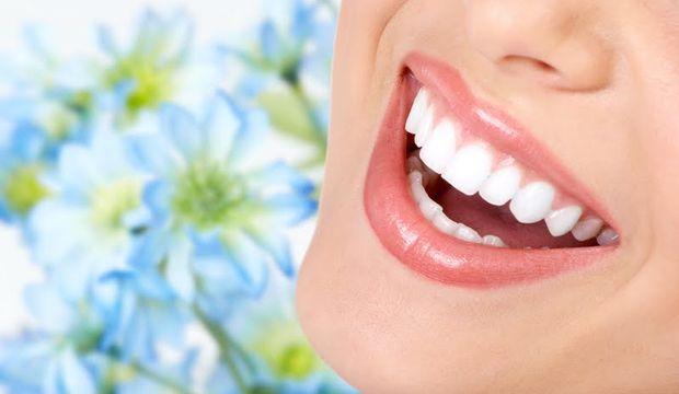 Uzun süre beyaz kalan daha parlak dişler