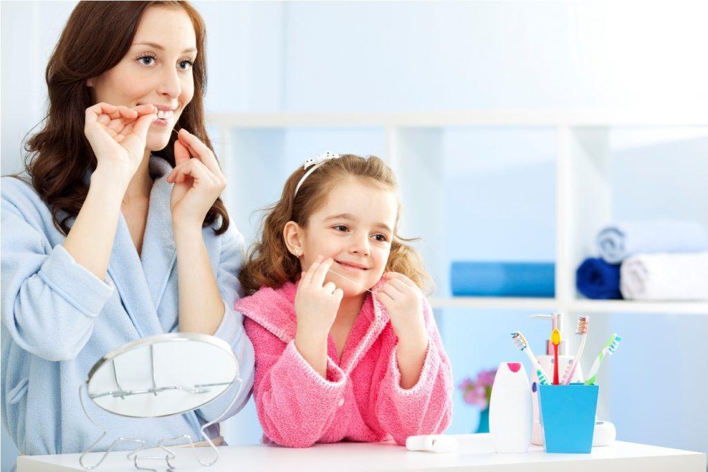 Çocuklarda Diş İpi Kullanımı